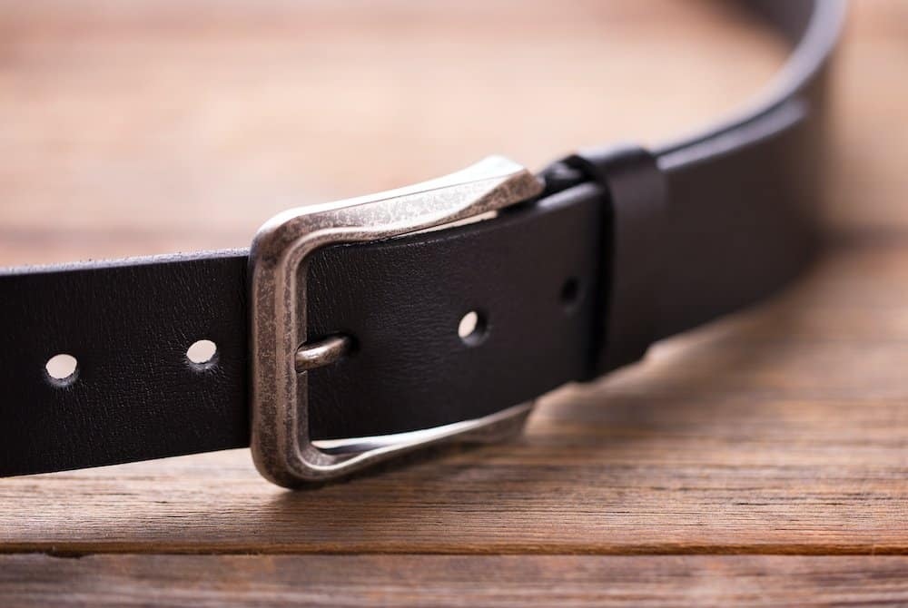 how to make another hole in a belt